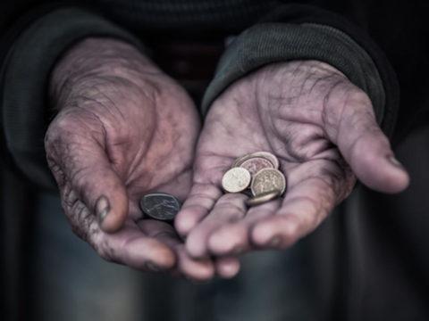 koldus kéregető hajléktalan
